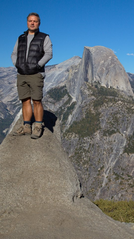 IMG_1359.jpg: With the Half Dome in background, Yosemite Park