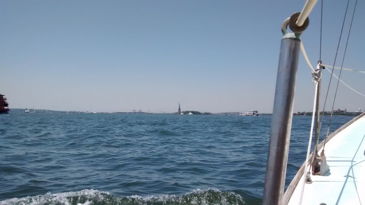 Picture of East River and Statue of Liberty