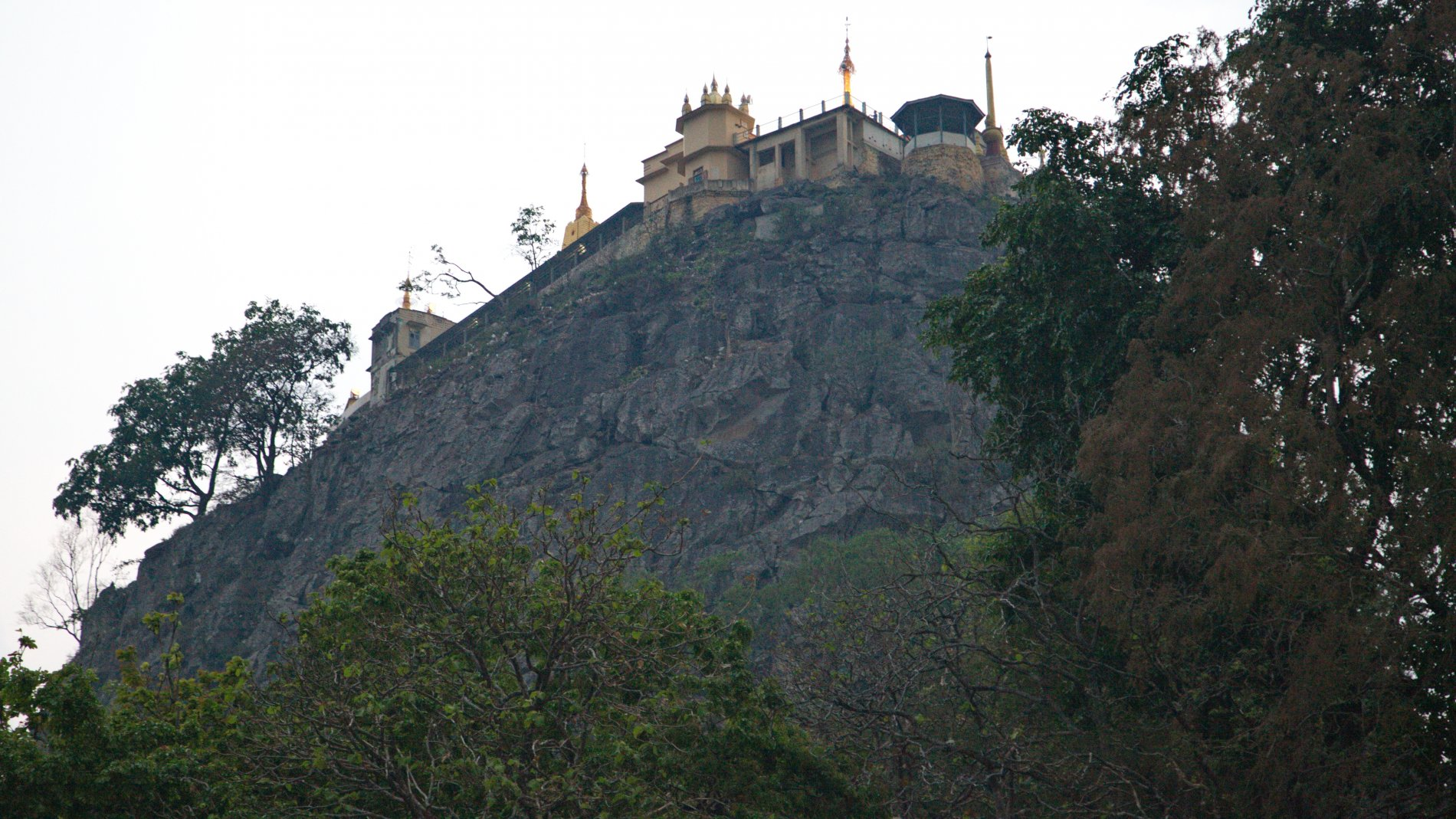 Mount_Popa_18.jpg-commment