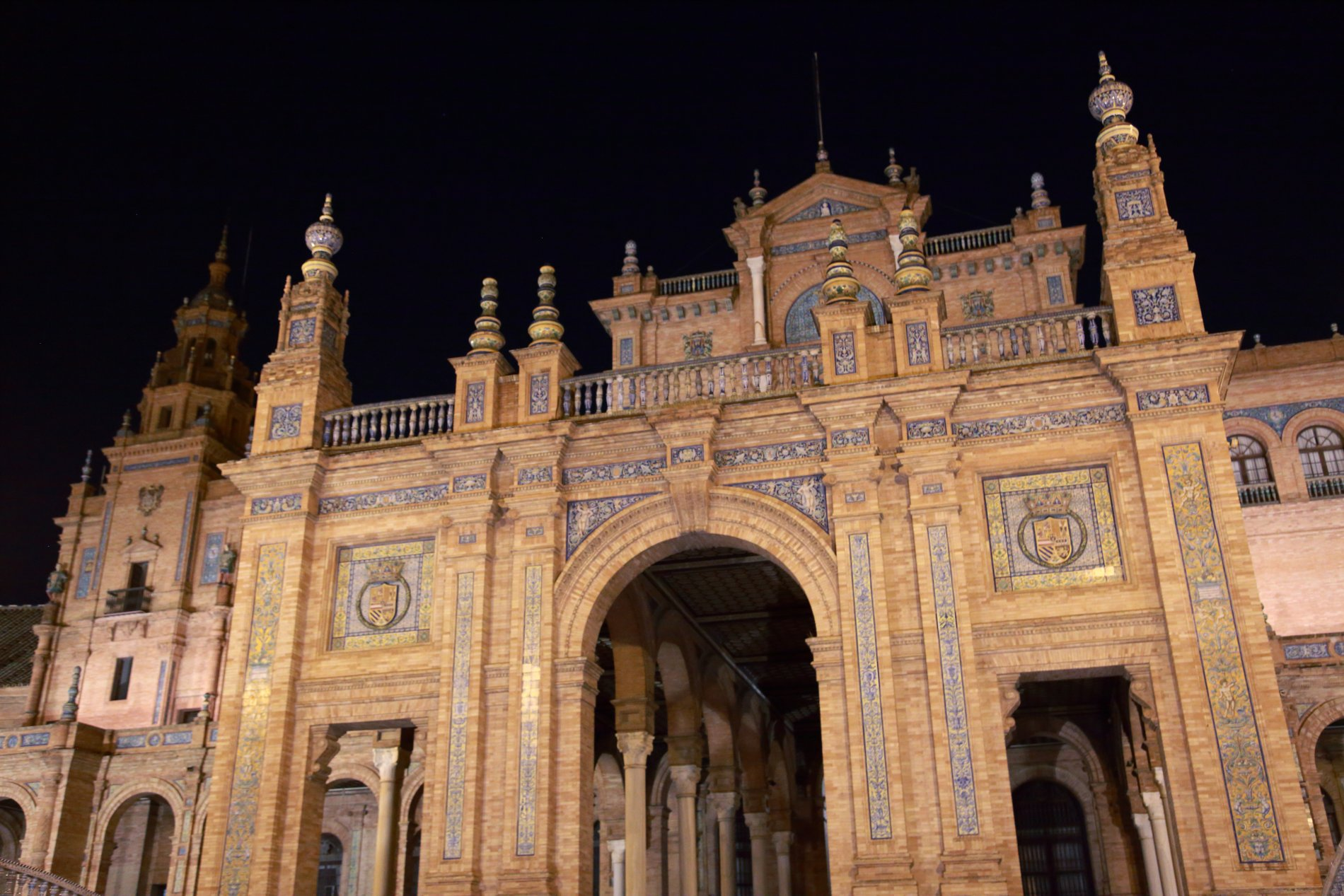 Seville-91.JPG-commment