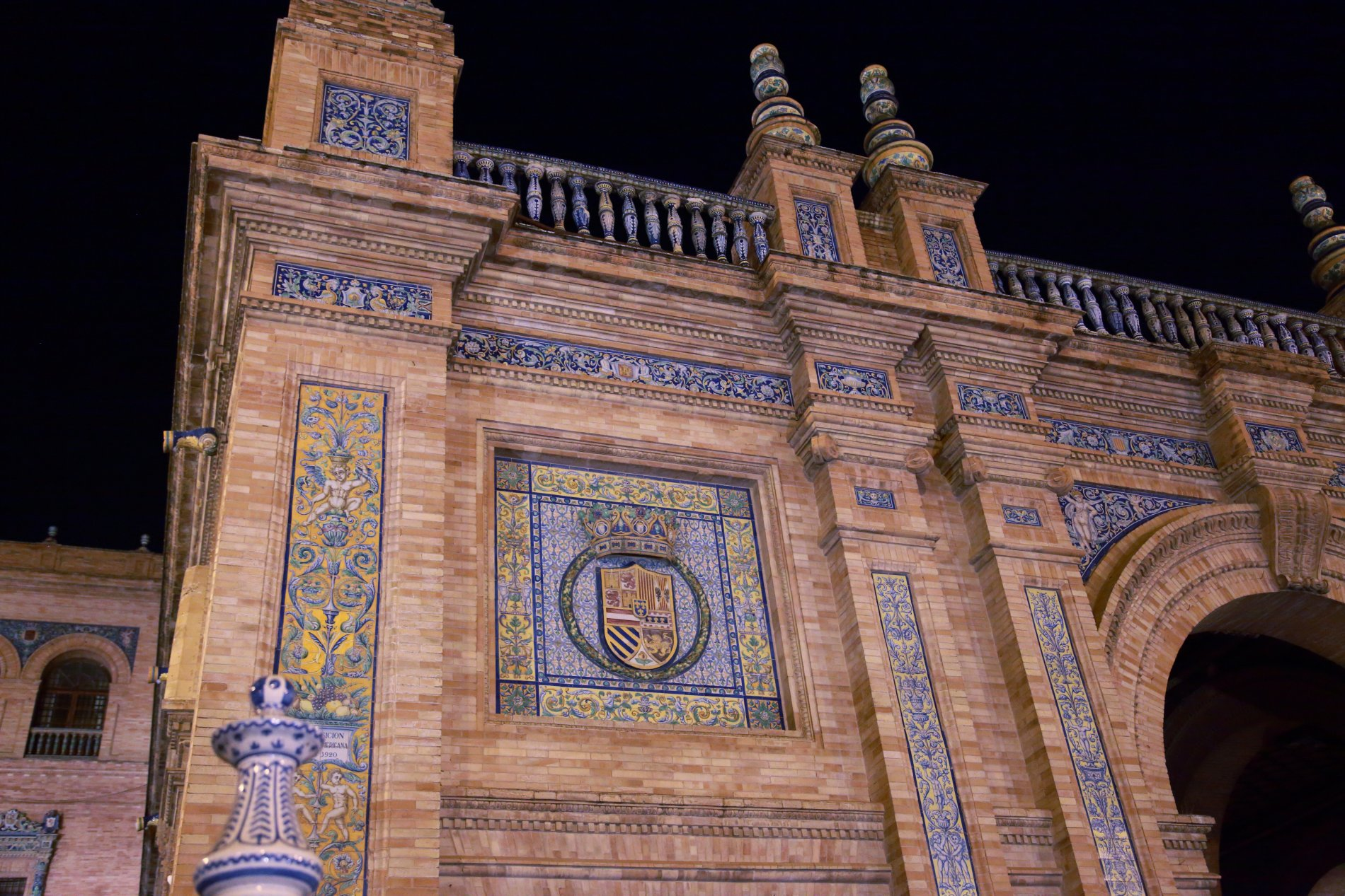 Seville-92.JPG-commment